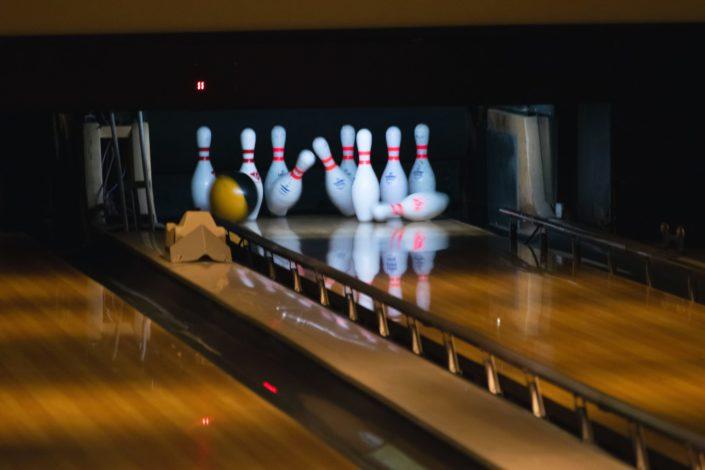 fun date night ideas - bowling.jpeg