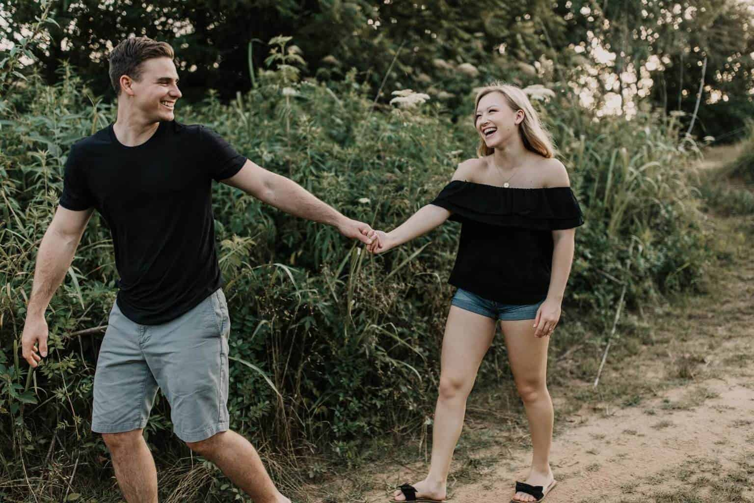 romantic things to do for your girlfriend - featured (1)