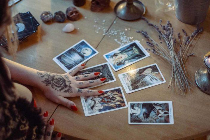 Get a virtual tarot card reading