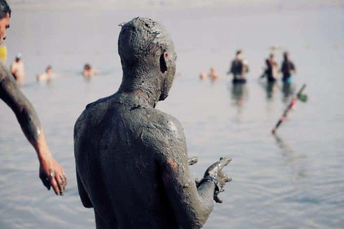 Adventurous date ideas for summer - Go mud slinging