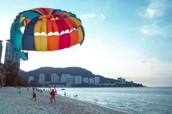 Anniversary date ideas - Go parachuting