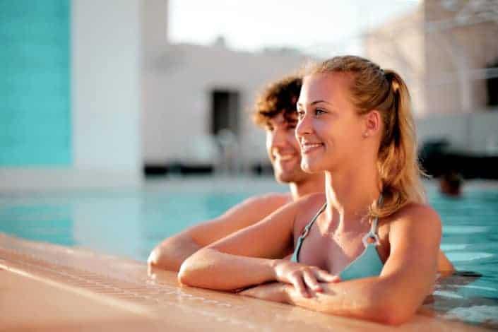 Adventurous date ideas - Sneak into a hotel pool