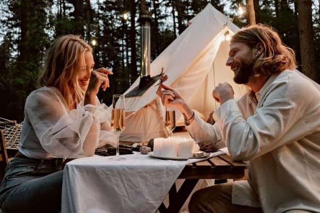 First date conversation starters - Main