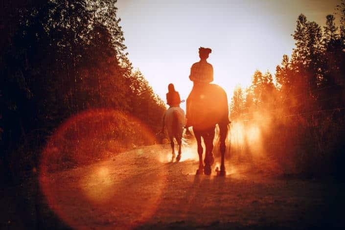 Adventurous date ideas for summer - Horseback ride
