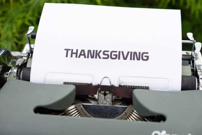 Aesthetic typewriter with a THANKSGIVING word