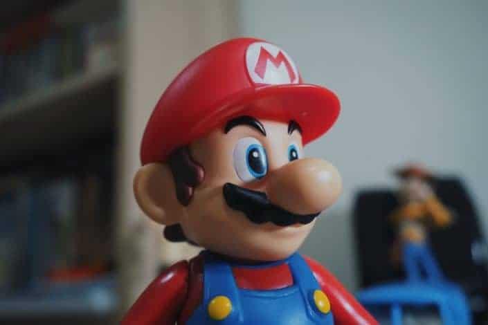 Super Mario figurine toy