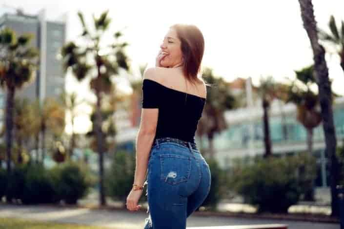 Which was not the right way for a girl to wear jeans?.jpg