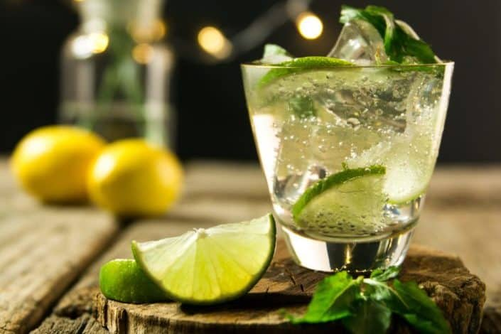 Which famous cocktail originated in the Raffles Hotel, Singapore?.jpg