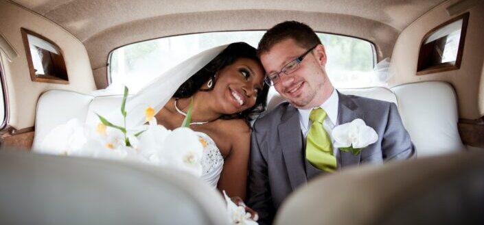 couple inside a bridal car