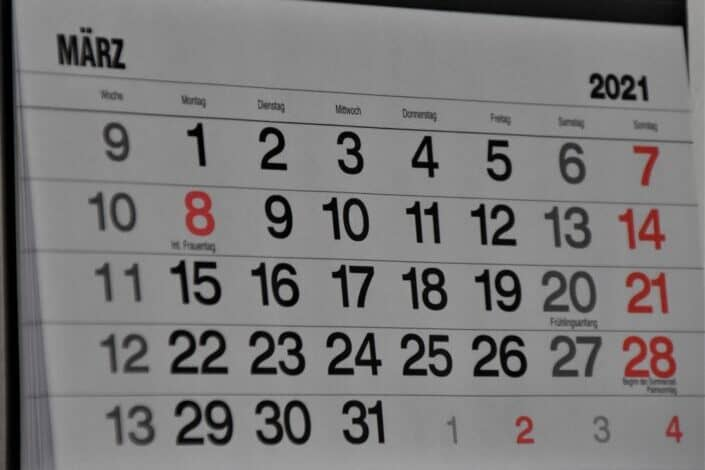 wall calendar for year 2021 displaying the month of march