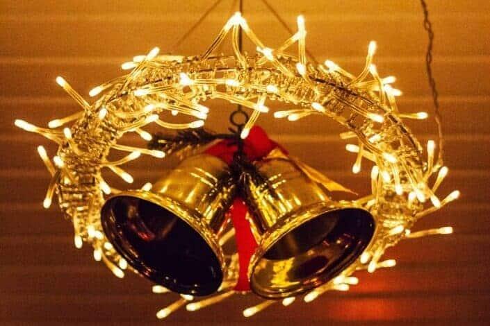 gold christmas bell wreath