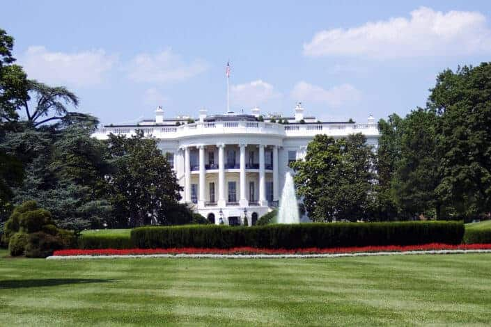 front of the us presidential white house
