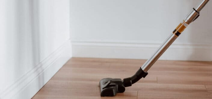 a type of an electric cleaner used on a wooden floor
